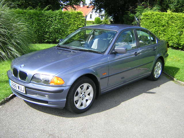 BMW 3 Series. 318i SE 1.9 4dr Auto, 4 Doors, Automatic, Saloon,