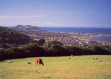 Above colwyn bay to rhos-on-sea, penrhyn bay